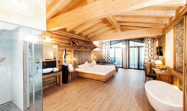 3 – 15 Tage Tirol im 4* Luxus Chalet inkl. Halpension und Spa ab 199€