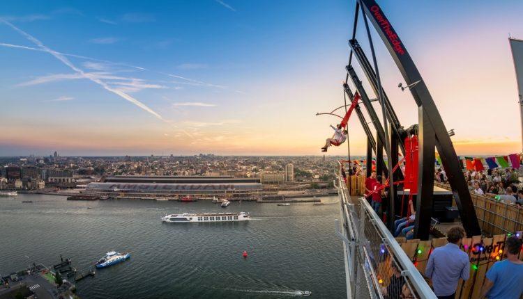 Über den Dächern von Amsterdam: Übernachtung im 4 oder 5* Hotel & A'DAM Lookout ab 148€