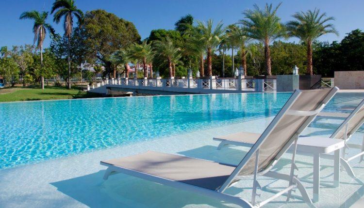 2 Wochen DomRep im 4,5* Hotel mit All In, Flug, Rail&Fly u. Transfer ab 918€