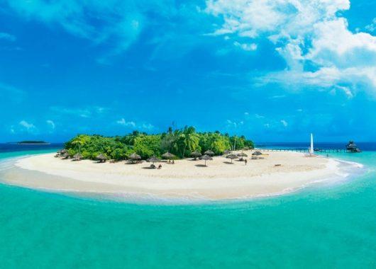 Last Minute: Eine Woche Malediven im 4* Award-Hotel inkl. HP, Flug, Rail&Fly u. Transfer ab 1569€