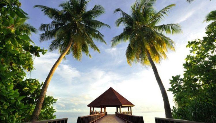 Frühling: 9 Tage Malediven im 4,5* Robinson Club mit All In, Flug und Transfer ab 1925€