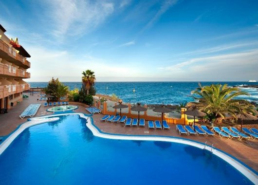 Frühbucher: Eine Woche Fuerteventura im 3* Apartment inkl. HP, Flug, Rail&Fly u. Transfer ab 453€