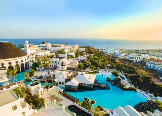 7, 10 oder 14 Nächte im 5* Hotel auf Lanzarote inkl. Halbpension und Flug ab 579€