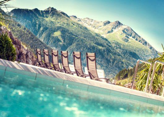 3 Tage Österreich im 4* Apartment inkl. Frühstück & Eintritt in die Felsentherme Bad Gastein ab 89€
