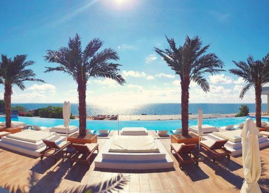 Frühbucher: Eine Woche Goldstrand im 5* Hotel inkl. Vollpension, Flug, Rail&Fly u. Transfer ab 466€