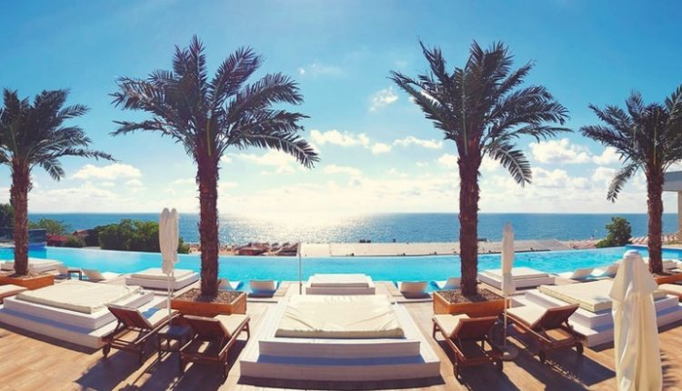 1 Woche Goldstrand im 5* Hotel inkl. Vollpension, Flug, Rail&Fly u. Transfer ab 479€