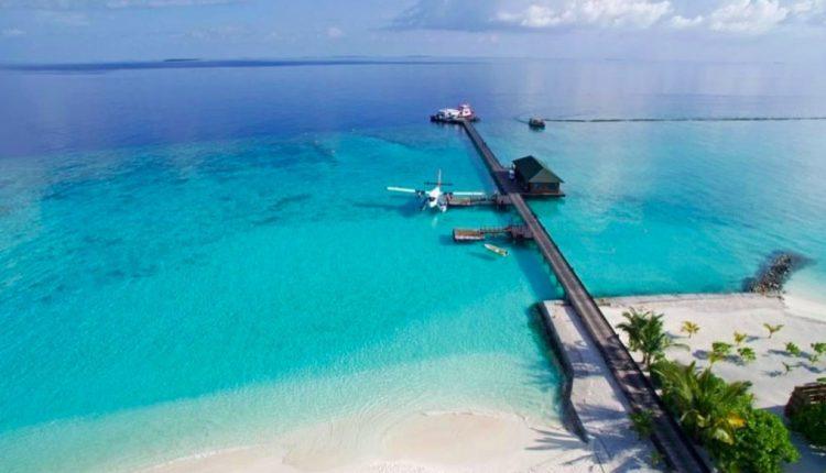 Frühbucher: 2 Wochen Malediven im 4* Resort mit All In, Flug, Rail&Fly u. Transfer ab 1864€