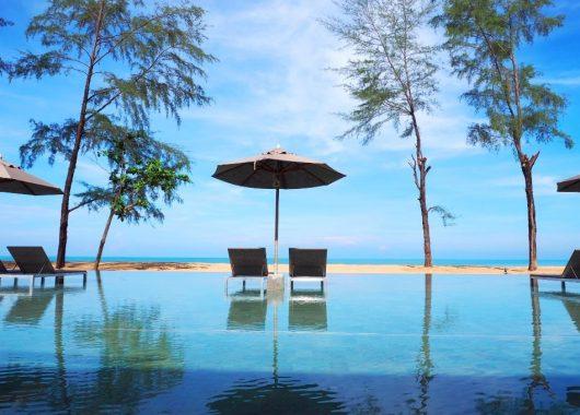 13 Tage Khao Lak im 4,5* Hotel inkl. Frühstück, Flug, Rail&Fly u. Transfer ab 940€