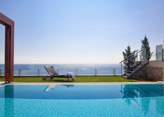 Eine Woche Kefalonia im 4* Hotel inkl. HP, Flug, Rail&Fly und Transfer ab 425€