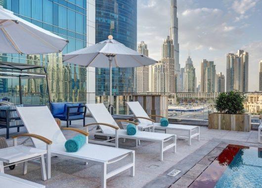 Early Bird: 1 Woche Dubai im 5* Steigenberger Hotel inkl. Frühstück, Flug, Rail&Fly u. Transfer ab 557€