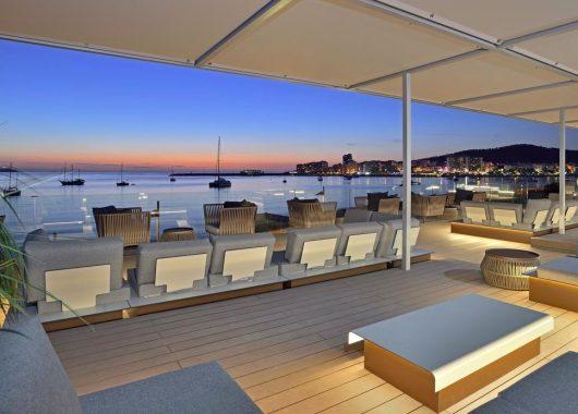 Eine Woche Ibiza im Mai: 4* Hotel inkl. Halbpension und Flug ab 483€