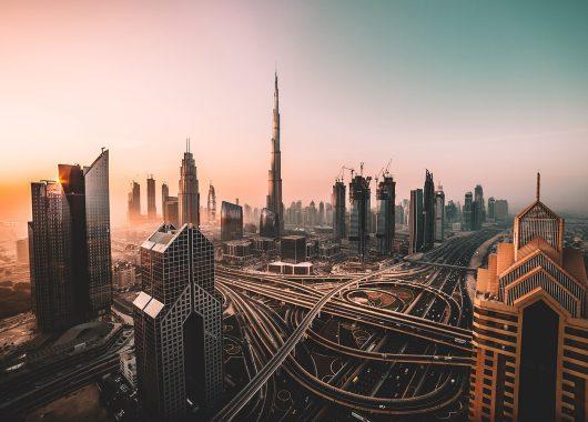 Dubai: Eine Woche im 4*Boutique Hotel mit Flug, Frühstück, Transfers und Zugticket ab 349€
