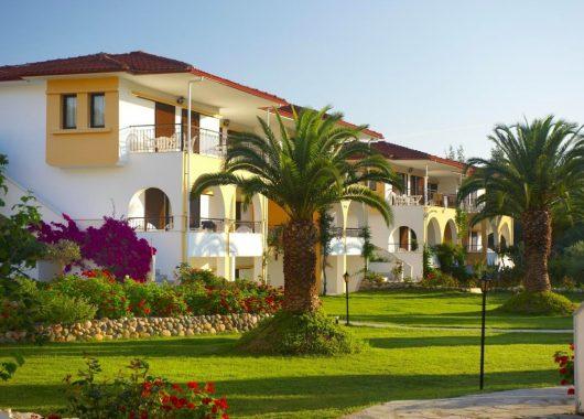 Herbst-Angebot: Eine Woche Chalkidiki im guten 3,5* Apartment inkl. Frühstück & Flug ab 309€ (376€ mit HP)