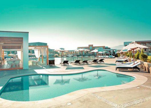 Eine Luxuswoche auf Kos: 4,5* Hotel mit All In, Flug, Rail&Fly und Transfer ab 615€