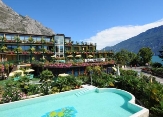 Hotel-Deal Gardasee: Luxus im 4*Hotel mit Seeblick, Frühstück und Wellness ab 178,50€