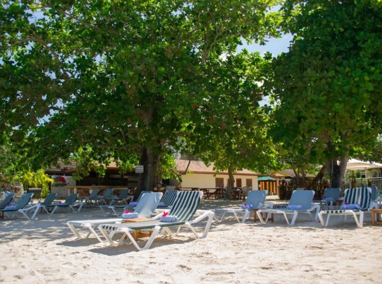 9 tage jamaika im 3 seaside resort inkl fr hst ck flug transfer ab 974. Black Bedroom Furniture Sets. Home Design Ideas