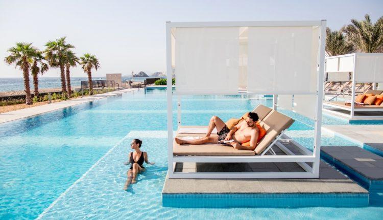 Last Minute: 1 Woche Fujairah im 5* Resort mit All In, Flug, Rail&Fly u. Transfer ab 796€