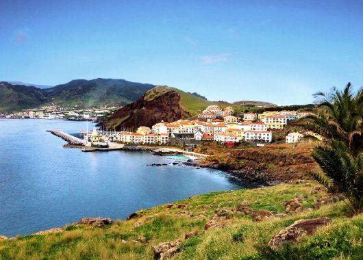 Last Minute: Eine Woche Madeira im 5* Resort inkl. Meerblick, Frühstück, Rail&Fly u. Flug ab 322€