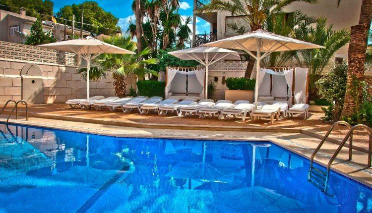 Eine Woche Playa de Palma im Herbst: 4* Hotel inkl. HP, Flug, Rail&Fly und Transfer ab 417€