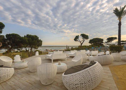 Costa de la Luz: 1 Woche im neuen 4*Hotel mit Flug, HP, Transfers und Rail & Fly ab 375€