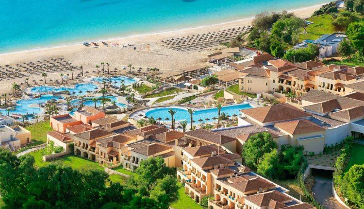 Peloponnes im Herbst: Eine Woche im 4,5* Hotel inkl. HP, Flug und Transfer ab 596€