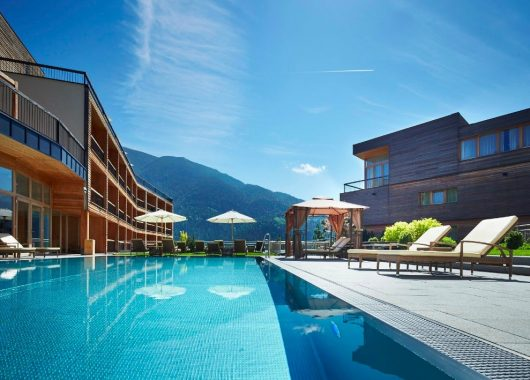 Tiroler Achensee: 3 Tage im 4,5* Hotel mit All In, Wellness und Trekking-Bike ab 329€