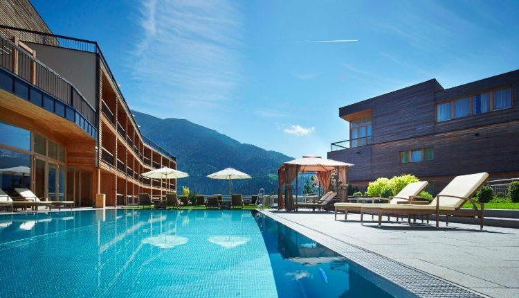 Sommer am Tiroler Achensee: 3 Tage im 4,5* Hotel mit All In, Wellness und Trekking-Bike ab 339€