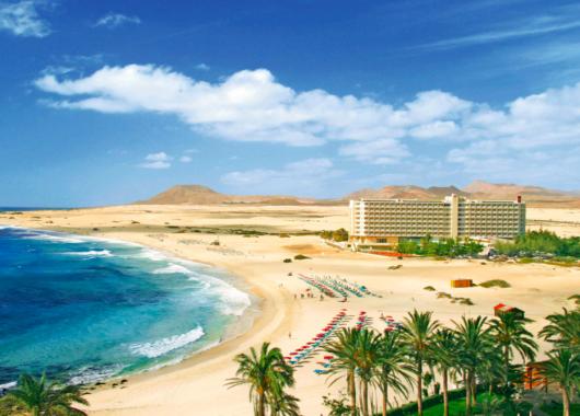 Last Minute: 5 Tage Fuerteventura im 4* Hotel mit All In, Flug, Rail&Fly u. Transfer ab 319€ (mit Gutschein!)