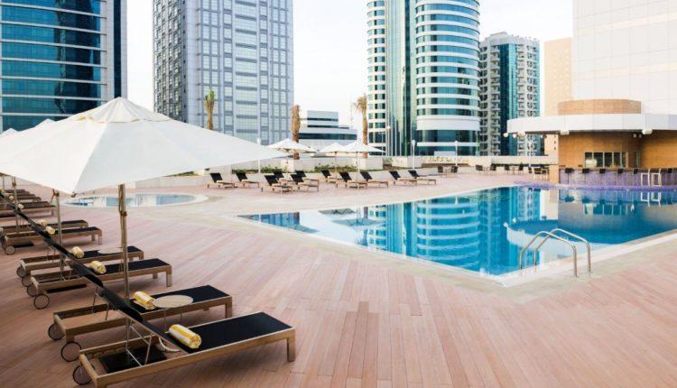 1 Woche Fujairah im 4* Hotel inkl. HP, Flug, Rail&Fly und Transfer ab 489€