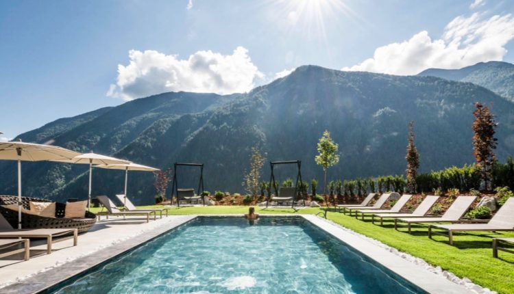 Wellness in Südtirol: 3 Tage im neuen 4* Hotel inkl. HP, Spa & Aktivprogramm ab 189€
