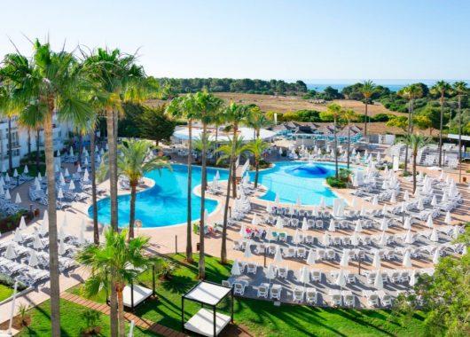 Mallorca: 1 Woche im 4* Apartment mit Flug und Rail&Fly ab 250€