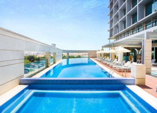 Eine Woche Abu Dhabi im 4* Hotel inkl. Frühstück, Flug, Rail&Fly und Transfer ab 441€