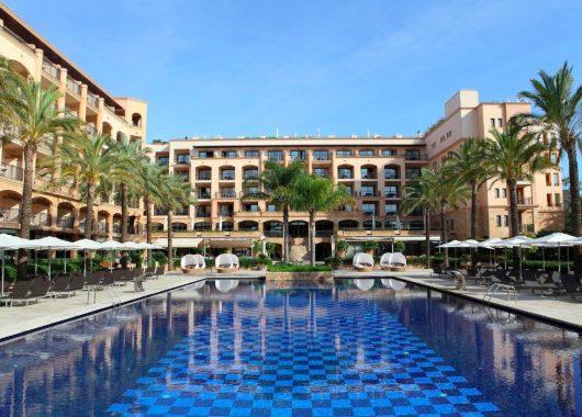 1 Woche Ibiza im 5* Hotel inkl. Frühstück, Flug, Rail&Fly und Transfer ab 399€