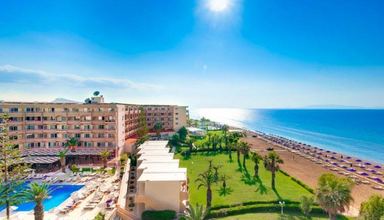 1 Woche Rhodos im 4* Hotel inkl. Halbpension, Flug & Transfer ab 400€