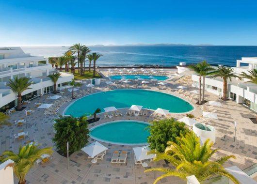 1 Woche Lanzarote im 5* Award-Hotel inkl. Frühstück, Flug und Transfer ab 573€
