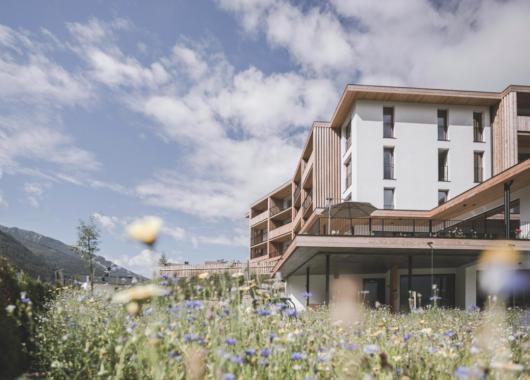 3 Tage Südtirol im 4* Aparthotel inkl. 5-Gänge-Frühstücksbrunch, Dinner, Spa & HolidayPass ab 169€