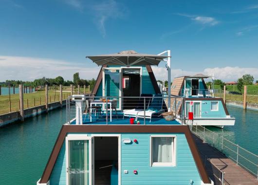 Italien: 4 Tage Urlaub im Hausboot in Lignano Sabbiadoro ab 174€ pro Person