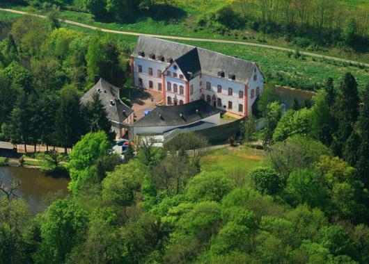 3 bis 4 Tage im Top-bewerteten Burghotel in der Eifel inkl. Frühstück ab 79,99€ pro Person